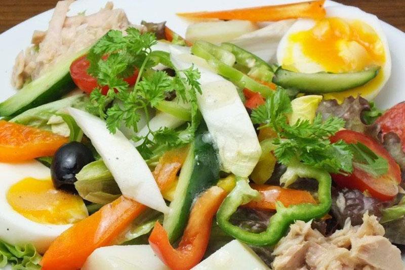 Legumes サラダなどの野菜料理もご一緒に